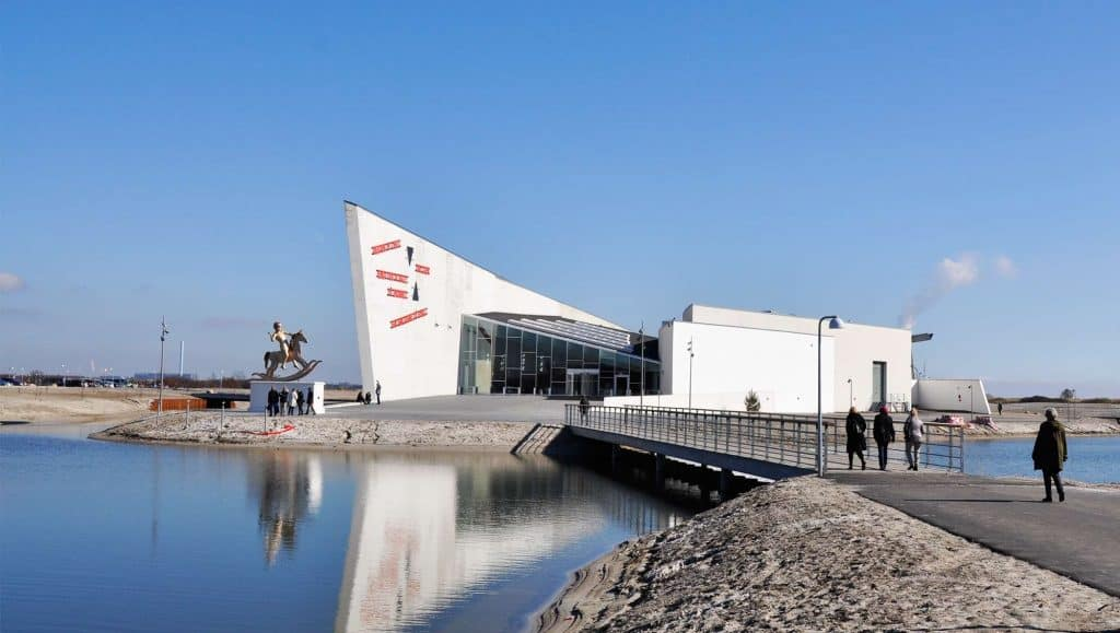 Arken Museum of Modern Art, Ishøj