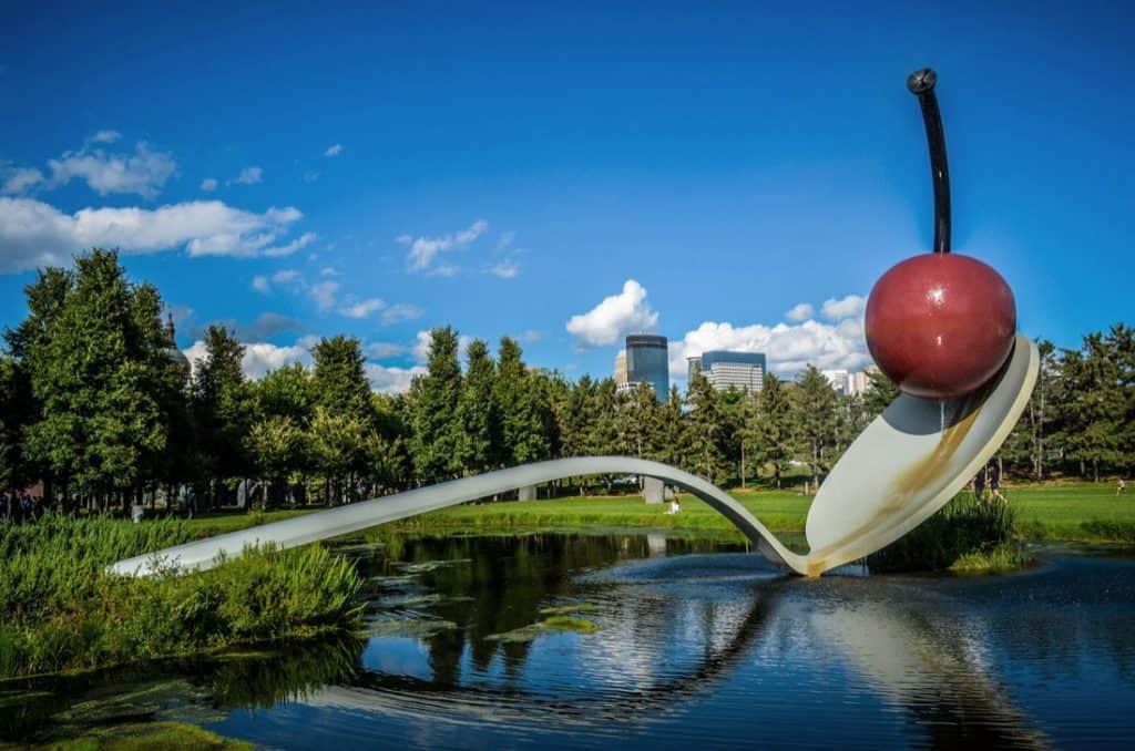Claes Oldenburg, Spoonbridge and Cherry, TK.