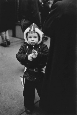 Diane Arbus. Kid in a hooded jacket aiming a gun, N.Y.C. 1957 ©The Estate of Diane Arbus, LLC. All rights reserved.