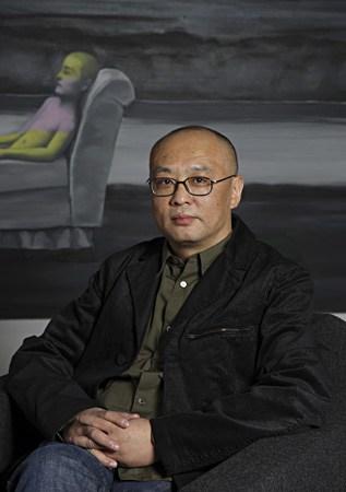 zhang-xiaogang-portrait