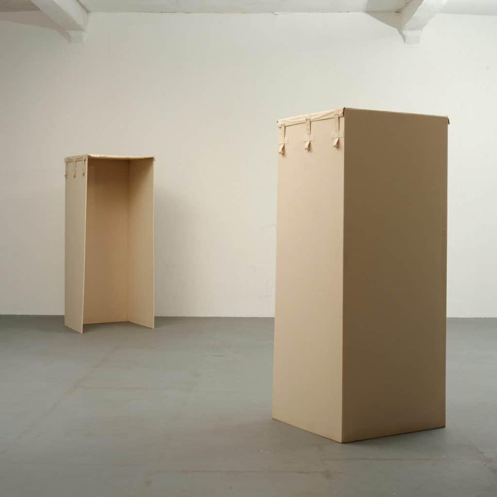 Laurent Fiévet collection. Franz Erhard Walther Zwei Boxen, Gabenüber (1971)