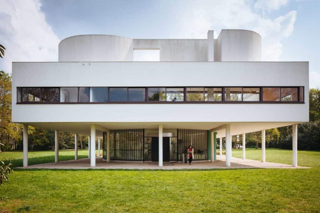 Le Corbusier, Villa Savoye Exterior.