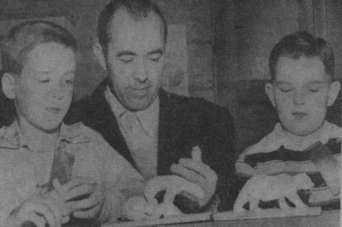 Don Van Vliet sculpting with Agostinho Rodriguez at age 10