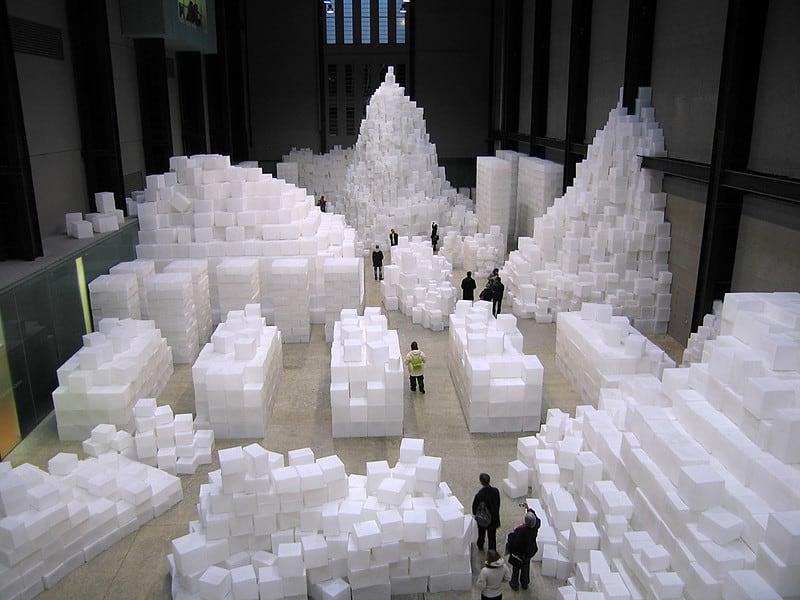Rachel Whiteread - EMBANKMENT - 2005. Plastic