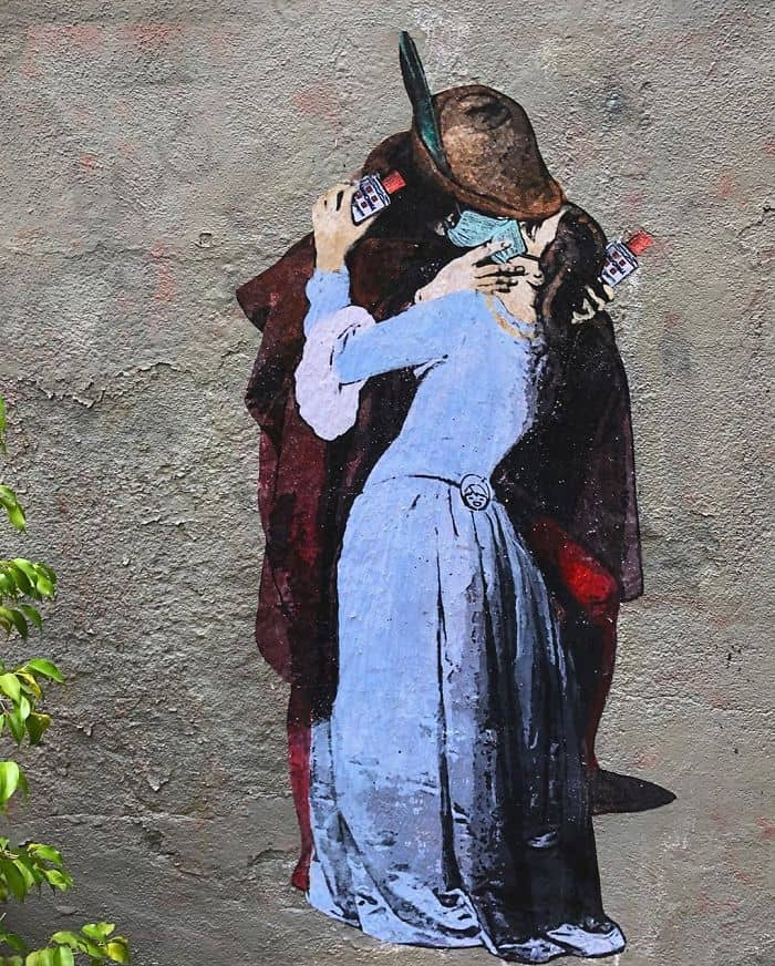 Tvboy - L'amore ai tempi del Co.vid19 - graffiti - Milan. Street Art