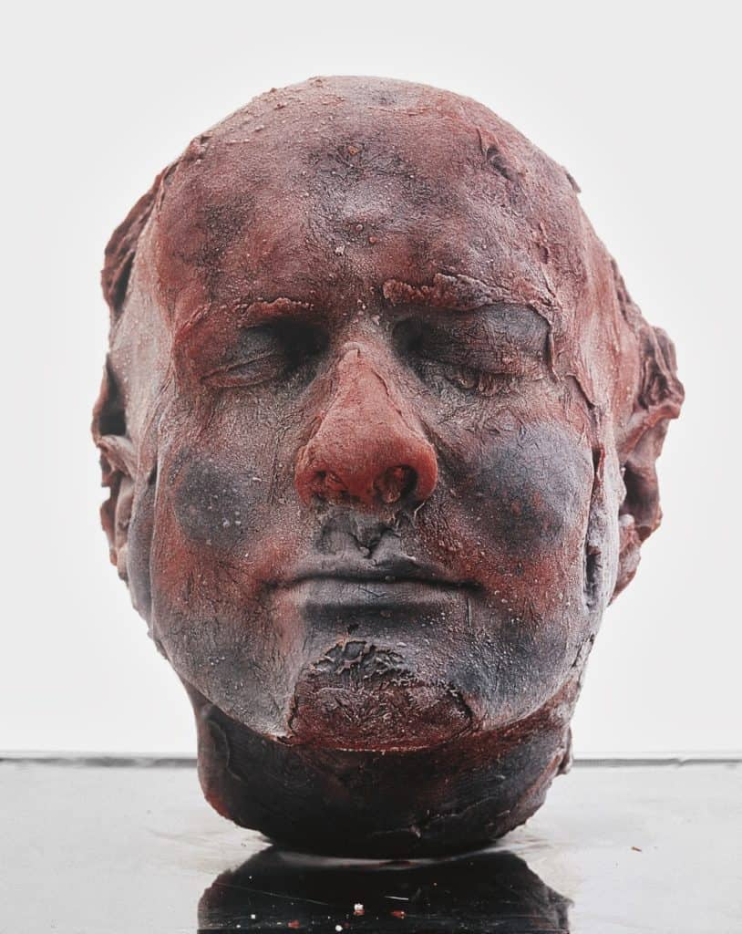 art with blood. Marc Quinn, Self, 1991.