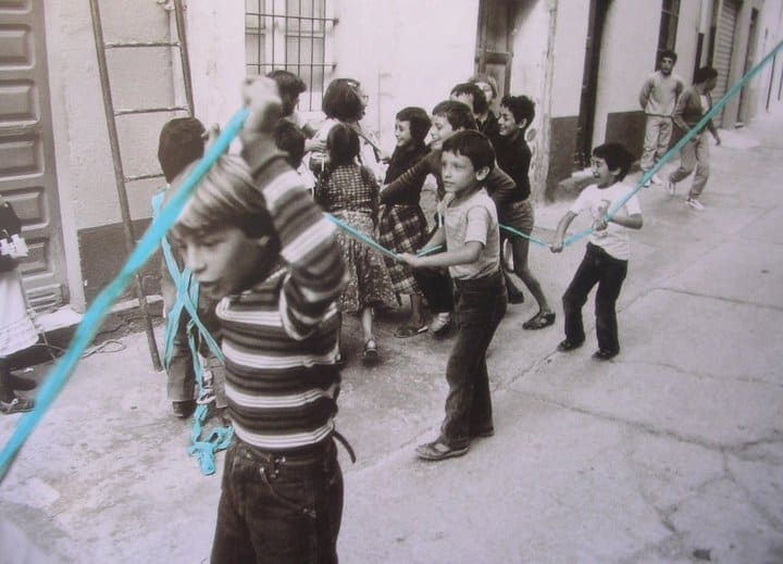 Legarsi alla Montagna, Ulassai, 1981. Photo: Piero Berengo Gardin