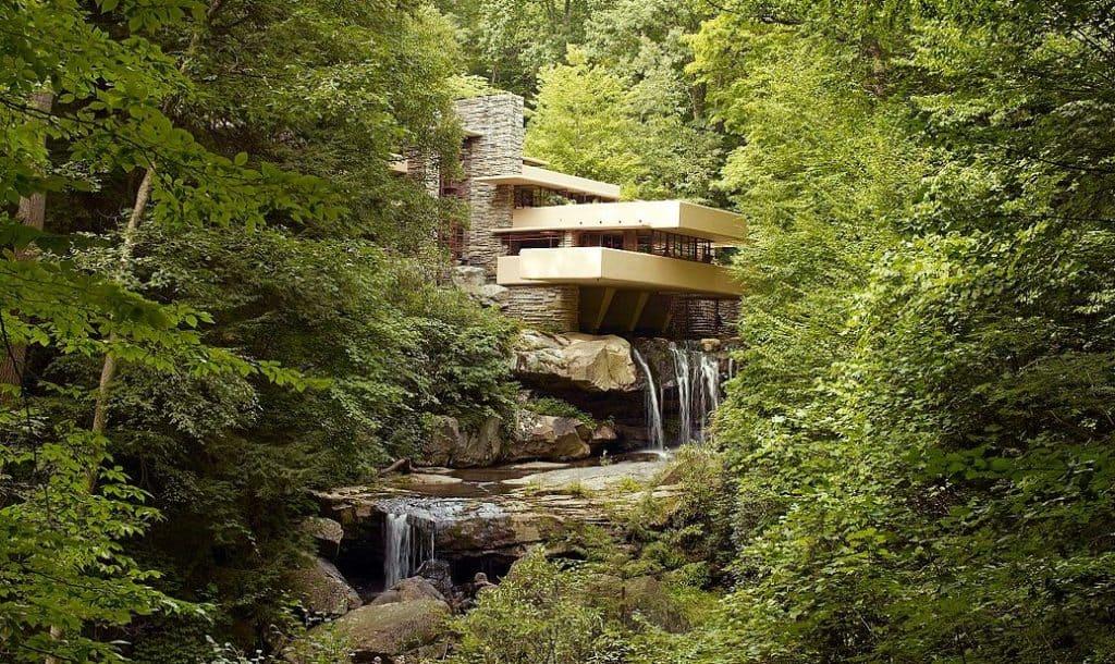 Frank Lloyd Wright, Fallingwater, Pennsylvania. Organic Architecture.