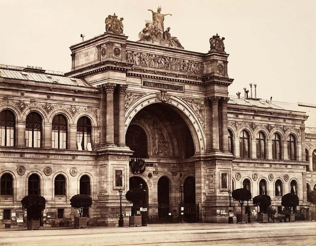 Palais de l'Industrie in Paris where Salon des Refusés took place. Photo by Édouard Baldus.