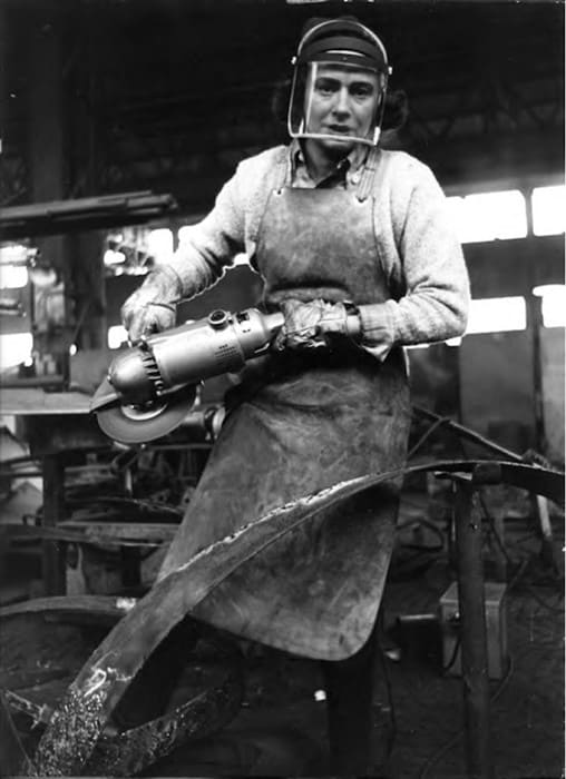 Beverly Pepper at work, 1970