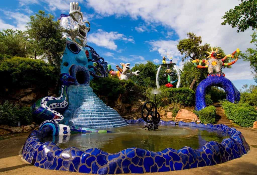 Niki de Saint Phalle, Fountain in The Tarot Garden - sculpture park