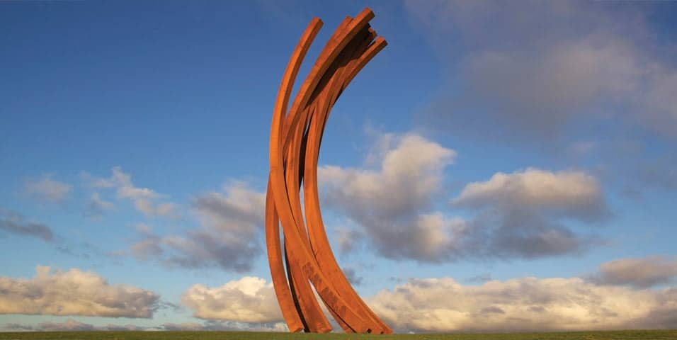 Sculpure parks. Bernar Venet's 88.5° ARC x 8.