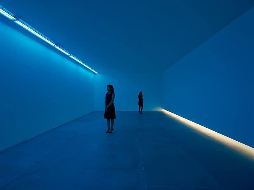 Bruce Nauman natural light blue light room design