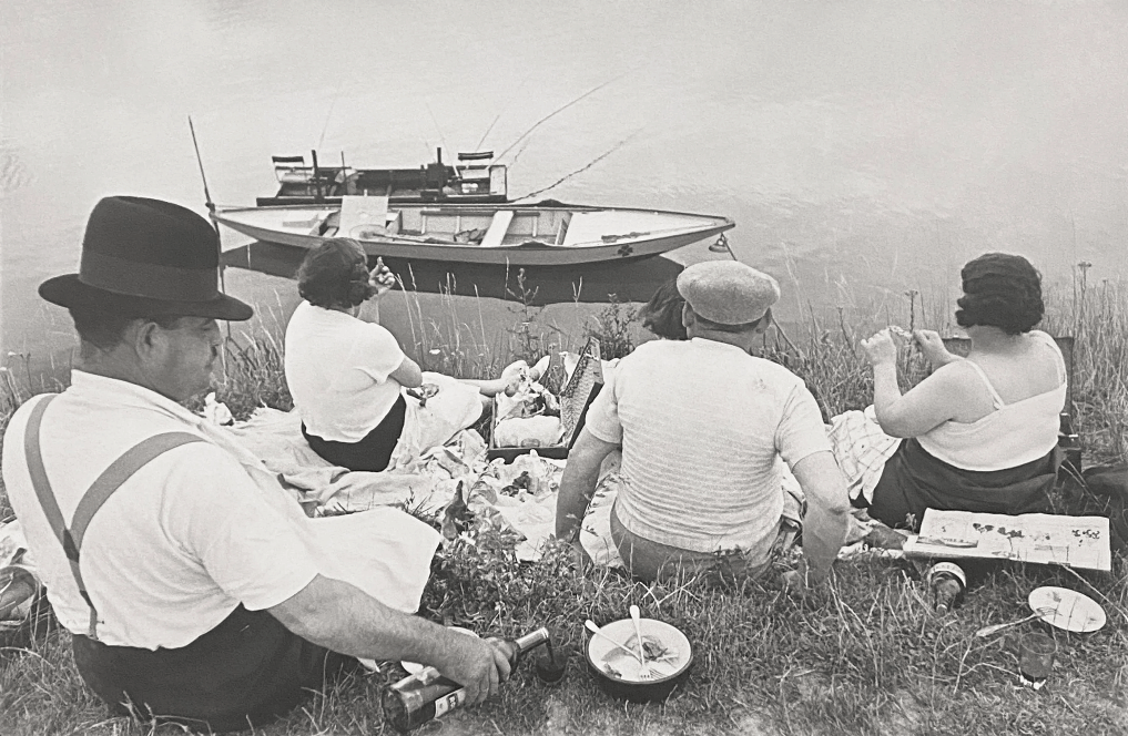 Henri Cartier-Bresson, Picnic on the Banks of the Marne, 1938. Leica