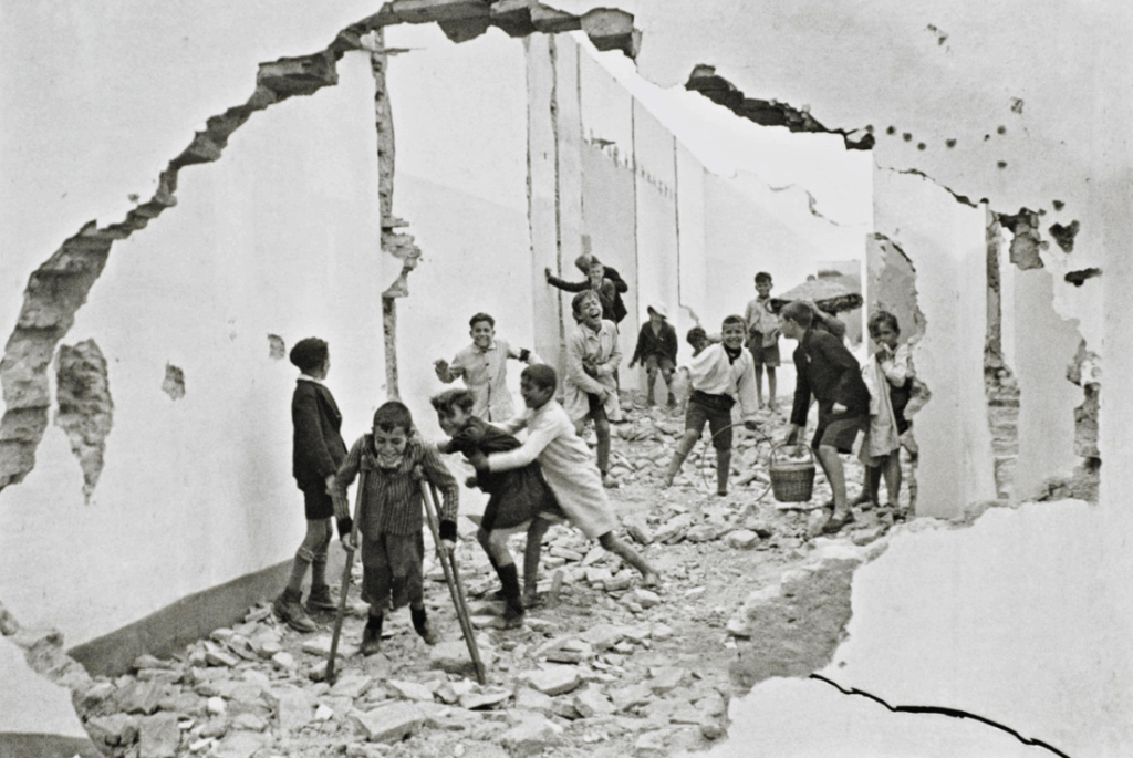 Henri Cartier-Bresson, Seville, Spain, 1933 © Henri Cartier-Bresson. Available at Jackson Fine Art Atlanta, United States.