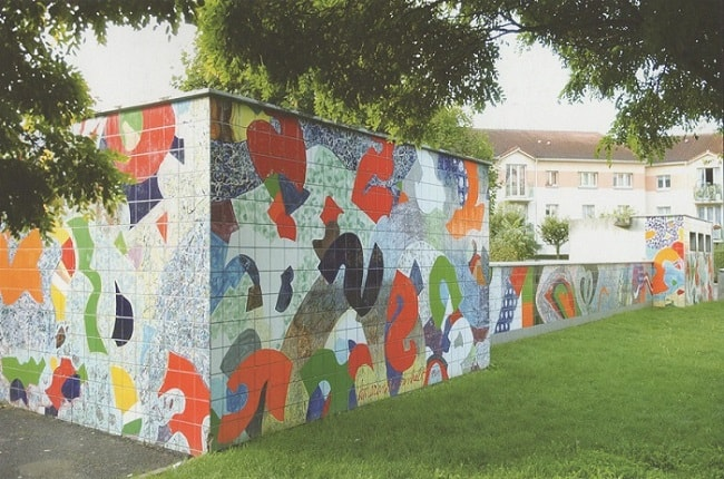 Douze Sourires Mural in Bagneaux,