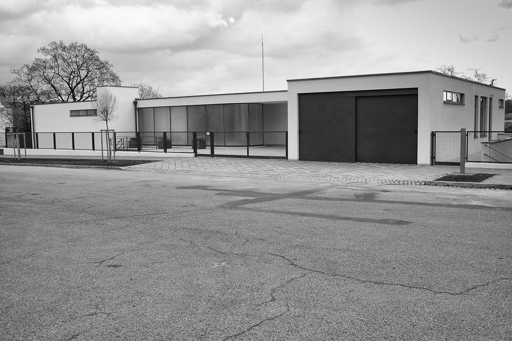 Ludwig Mies van der Rohe, Vila Tugendhat in Brno. CC BY 3.0.