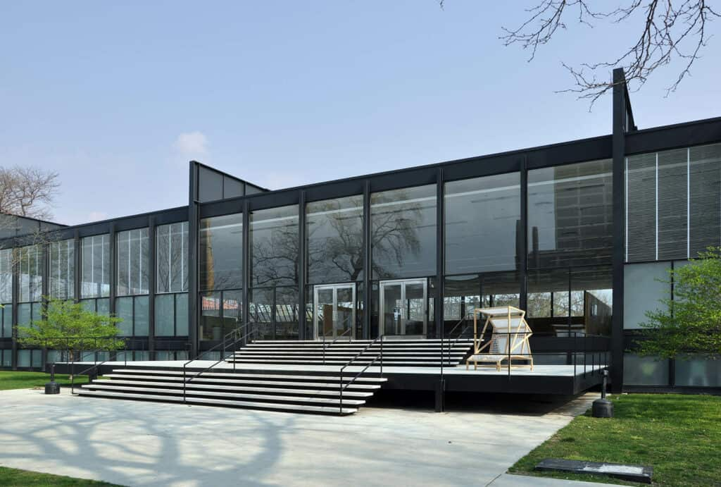 Ludwig Mies van der Rohe, S. R. Crown Hall, Illinois Institute of Technology, Chicago, 1956. Image Credit: Joe Ravi, CC BY SA 3.0.