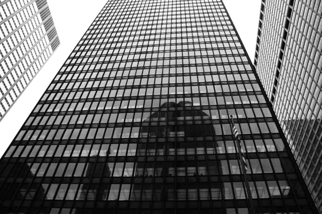 Ludwig Mies van der Rohe, Seagram Building on New York City's Park Ave. Image credit: Jules Antonio, CC BY 2.0.