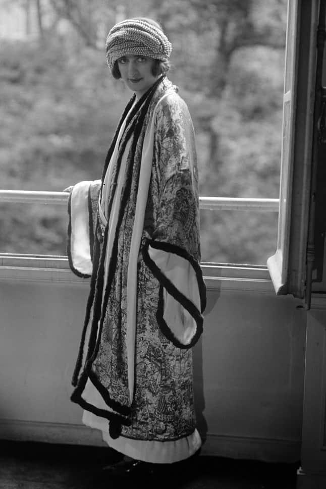 Paul Poiret coat inspired by Japanese kimono dresses. Public domain.